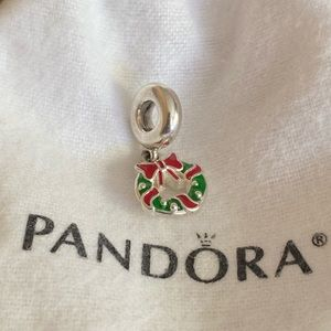 PANDORA holiday wreath dangle charm